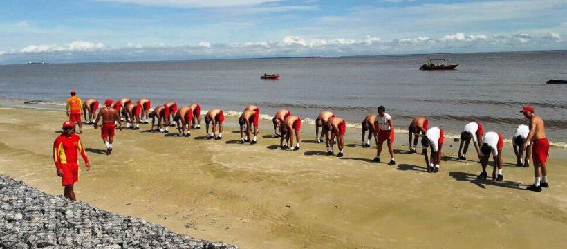 Alunos do 6º Pelotão – Abaetetuba realizam prova prática da disciplina Técnica e Maneabilidade de Salvamento Aquático