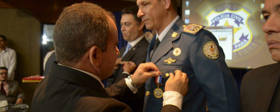 CBMPA recebe medalha do Mérito Policial Civil