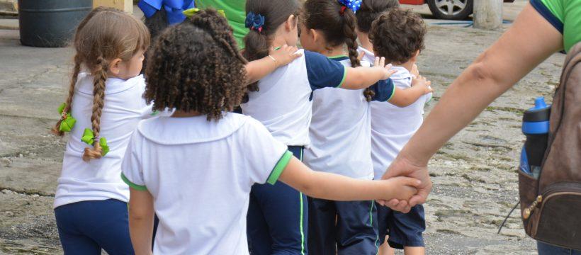 Escola bilíngue visita o CBMPA