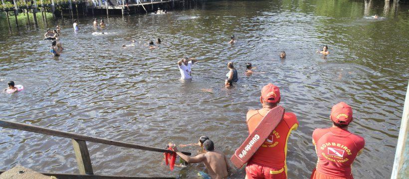 Bombeiros garantem segurança de banhistas em Colares e Caraparu