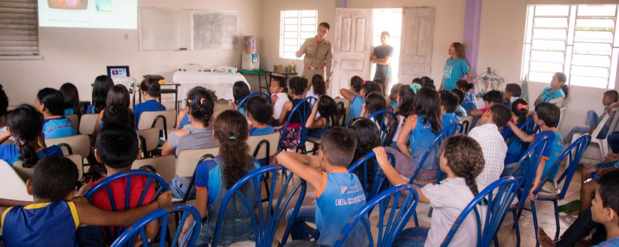 Militares do 12º GBM realizam palestra sobre os riscos do uso de linha encerada