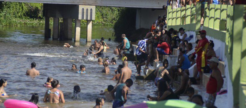 Bombeiros atuam na proteção de veranistas também nos igarapés