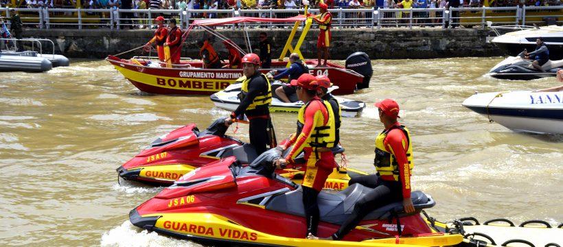 Equipes de Bombeiros do CBMPA acompanham a Romaria Fluvial