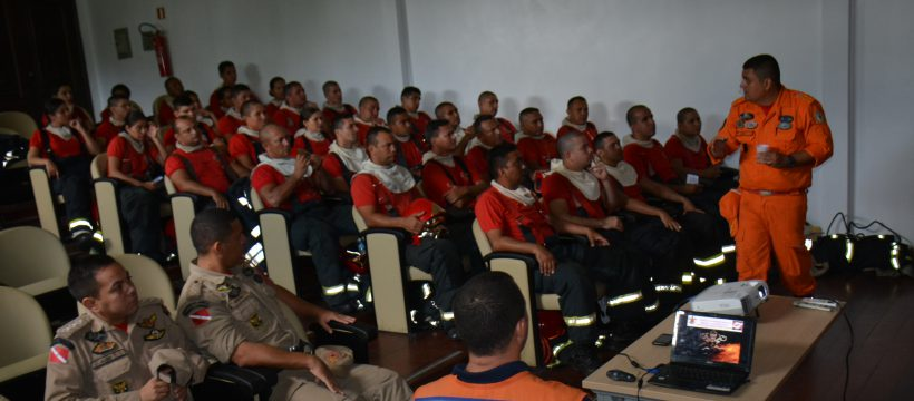 Aula Inaugural do Estágio de Combate a Incêndio Urbano debate Fundamentos de Defesa Civil