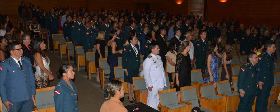 Oficiais do Corpo de Bombeiros concluem cursos de especialização