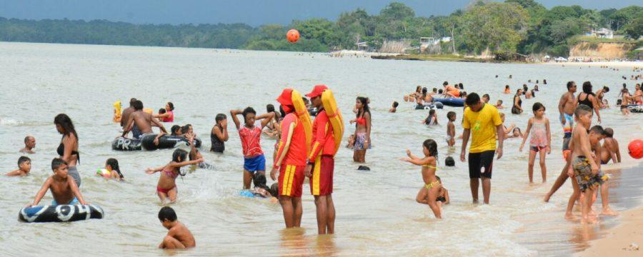 Guarda Vidas do CBMPA atuam nas Praias de Outeiro