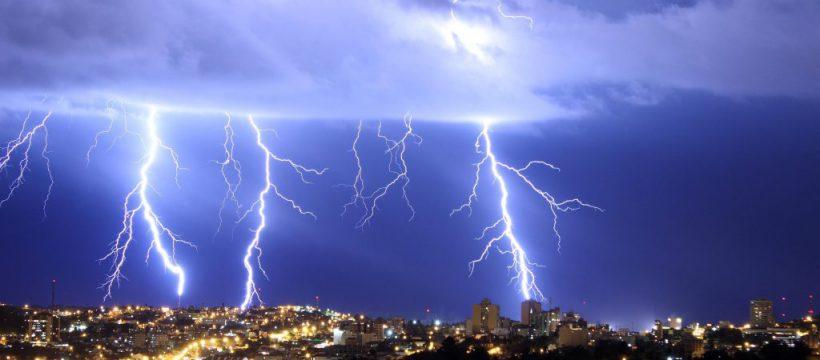 Corpo de Bombeiros alerta sobre raios no período de inverno amazônico