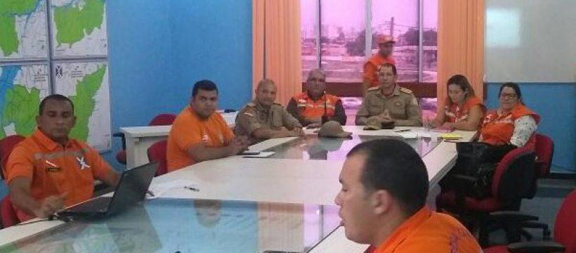 Defesa Civil se reúne com Governador para decidir ações