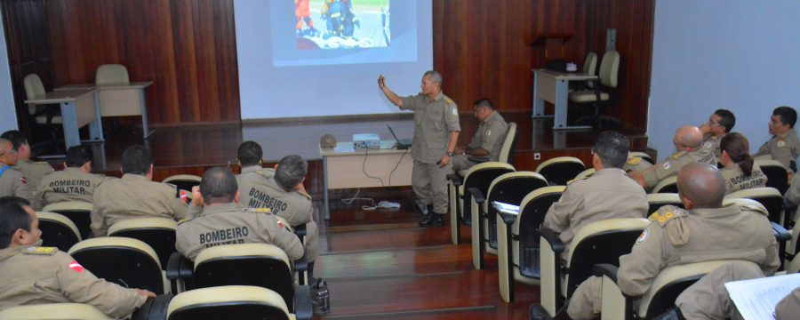 Reunião com os oficiais superiores de dia do CBMPA