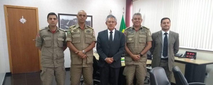 COMANDANTE GERAL VISITA O TRIBUNAL REGIONAL ELEITORAL