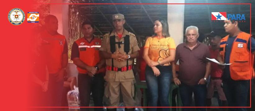 Entrega de cestas básicas em Bragança
