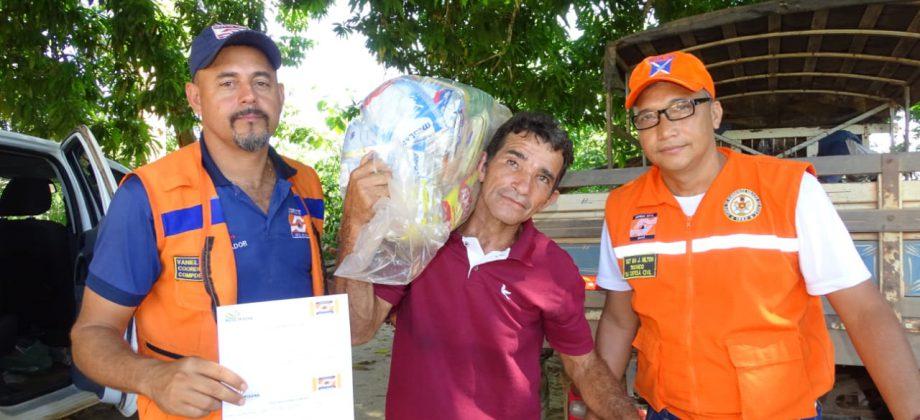 A equipe da Defesa Civil esteve no Municipio de Nova Ipixuna acompanhando a distribuição de 90 cestas básicas