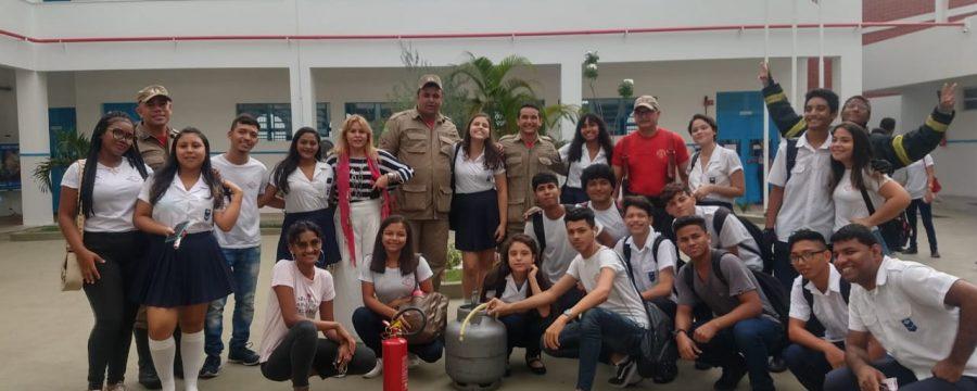 Corpo de Bombeiro Militar na Comunidade: visita a Escola Paes de Carvalho