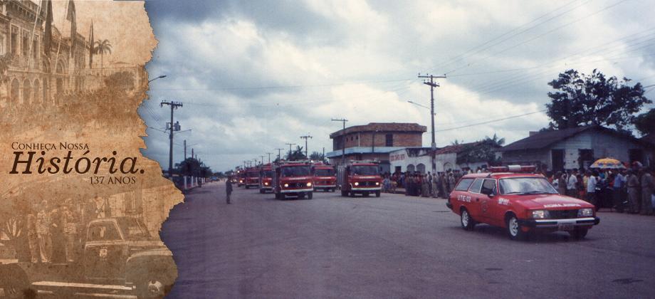 Desfile das viaturas do CBMPA em solenidade no CFAE/Ananindeua