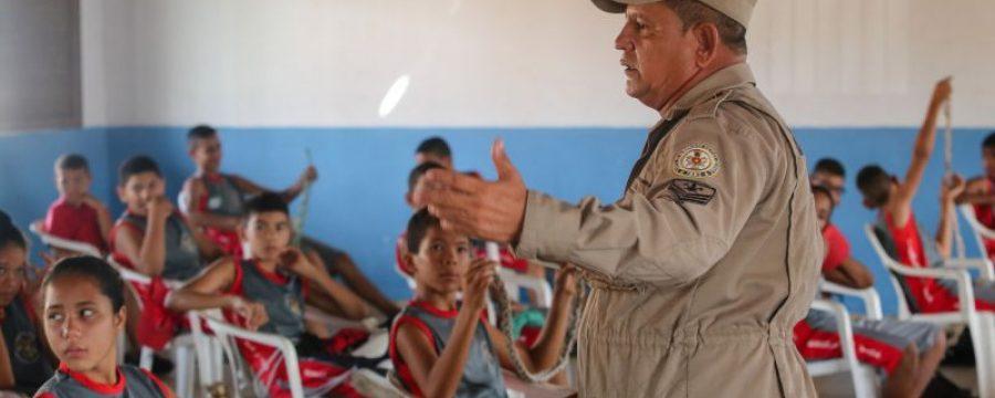 Há 27 anos, a Escola da Vida incentiva a cultura de paz e faz a diferença na vida de jovens carentes