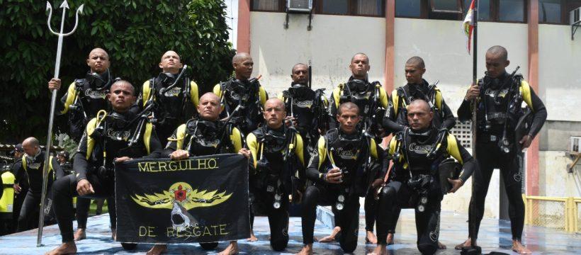 Corpo de Bombeiros realiza formatura de nova turma de mergulhadores de resgate