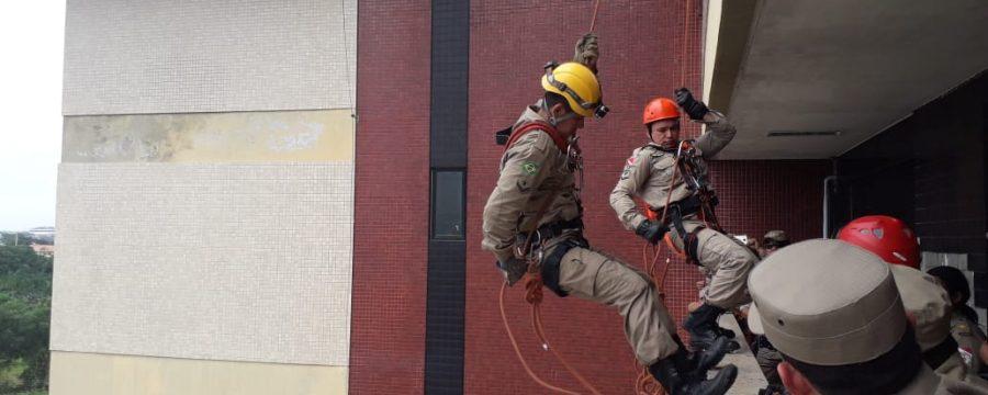 Corpo de Bombeiros realiza instrução conjunta de abordagem técnica e tática à tentativa de suicídio