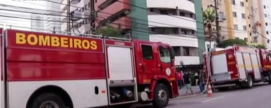 CBMPA COMBATE INCÊNDIO EM GARAGEM DE PRÉDIO NO UMARIZAL