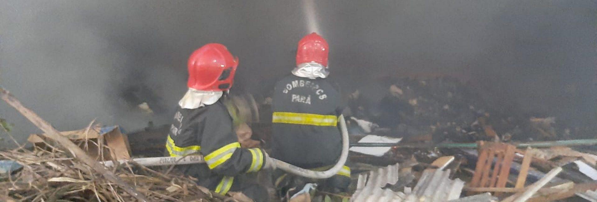CBMPA realiza combate a incêndio na Sacramenta