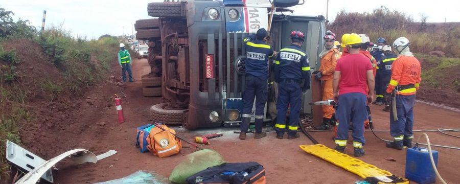 Militares realizam resgate durante a Operação Fênix em mina de ferro do município de Parauapebas